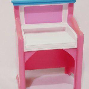 """Fisher Price Loving Family Pink Art Desk 4"""" Doll"""